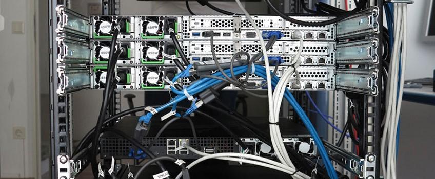 Aktuelles_AIS_Luxemburg143797-Rack-Rückseite